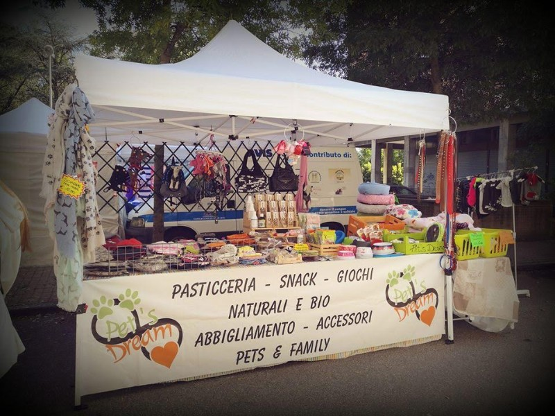pasticceria-cani-snack-accessori-cane-abbigliamento-shop-street-bologna