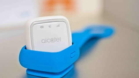 Alcatel MoveTrack GPS Tracker: per non perdere mail tuo bau!